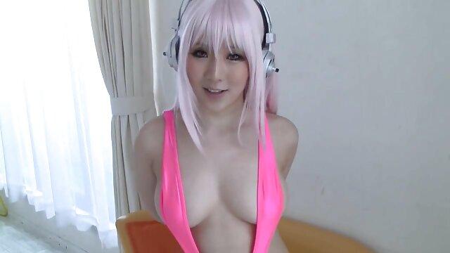 Hot porno tidak terdaftar  Bitchy porno kakek jepang winding Mom di depan kamera