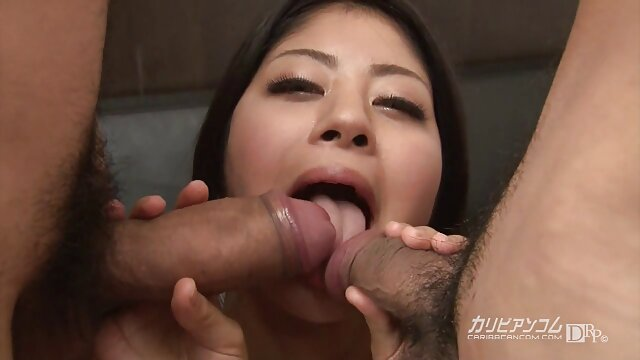 Hot porno tidak terdaftar  Untuk menebarkan sex jepang kakek sugiono di bibirnya!
