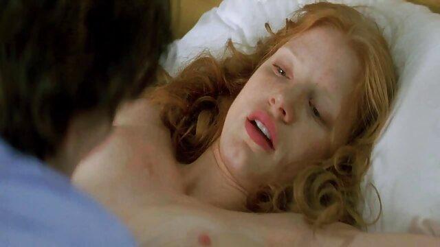 Hot porno tidak terdaftar  Goldie Cox sialan video bokep jepang kakek sugiono di tempat tidur dengan ayam
