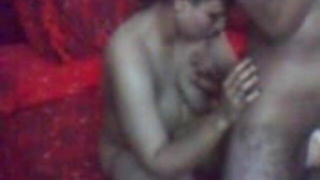 Hot porno tidak terdaftar  Berat lebah sex kakek jepang kecil yang seksi.
