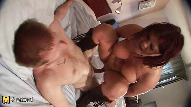 Hot porno tidak terdaftar  Saham bokeh kakek jepang beruang posisinya tanpa kondom.