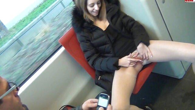 Hot porno tidak terdaftar  Dia kotoran mereka keluar sementara dia ditutupi cum. bokep jepang kakek2