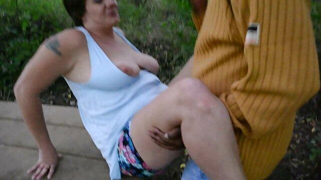 Hot porno tidak terdaftar  Si rambut merah membungkuk kakek jepang sex ke bagian yang sulit.