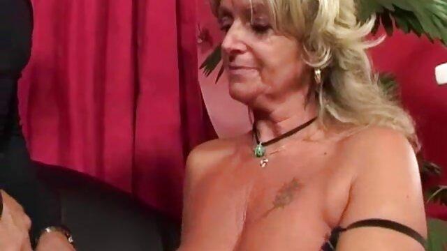 Hot porno tidak terdaftar  Nikita dan kulitnya panas. jav kakek jepang