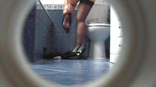 Hot porno tidak terdaftar  Masturbasi setelah mandi bokap kakek jepang pagi
