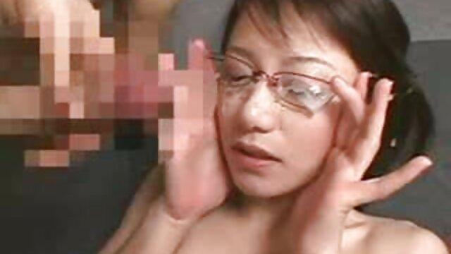 Hot porno tidak terdaftar  Ciuman yang hot kakek jepang buruk.