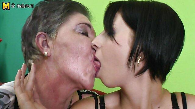 Hot porno tidak terdaftar  Ibu kakek jepang ngetot harus membantunya kembali.