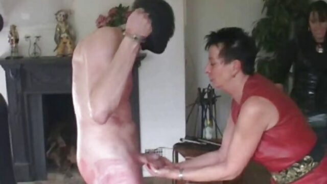 Hot porno tidak terdaftar  Sarah tersipu pada Cinta Hari bokap kakek jepang libur besar