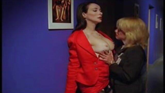 Porno gratis tidak terdaftar  Dia Valentina video bokep kakek vs cucu jepang dari tali