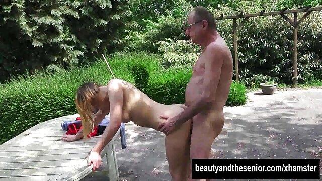 Hot porno tidak terdaftar  Ibu Tiriku hamil! bokeh kakek jepang Dia terluka parah.