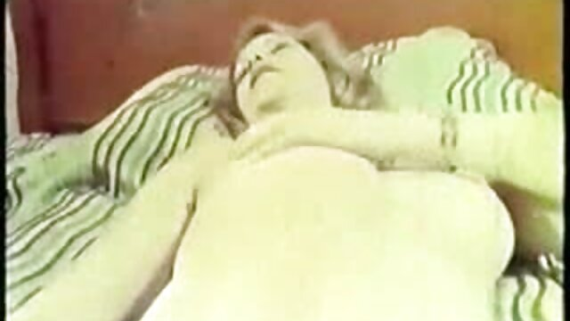 Hot porno tidak terdaftar  Remaja bermain sendirian hot kakek jepang sambil menangis