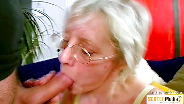 Hot porno tidak terdaftar  Black raven mengisap kemudian pergi sekitar dengan tato. bokep jepang kakek dan menantu